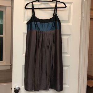 Grey/black/blue flowey dress with pockets!